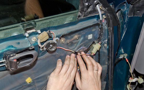 Как сделать обогрев зеркал своими руками? Когда мороз не помеха