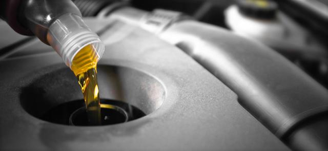 Как выбрать промывочное масло для двигателя? Секреты очевидного подбора