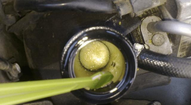 Почему гудит гидроусилитель руля при повороте? Несколько возможных причин