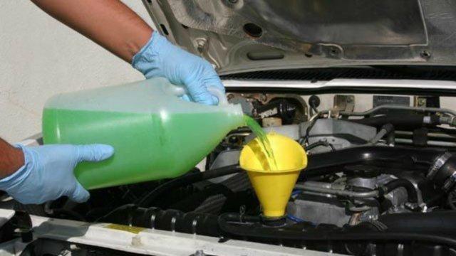 Чем лучше промыть систему охлаждения двигателя? Когда подходит время