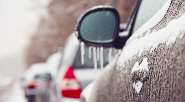 Как открыть замерзшую дверь машины? 6 способов