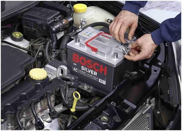 Как определить и в чем разница прямой и обратной полярности аккумулятора автомобиля?