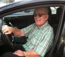 Как научиться водить машину в пожилом возрасте? Список советов