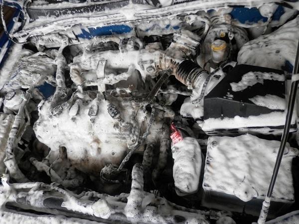 Почему после мойки двигателя машина дергается? Прочитай это