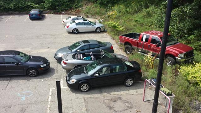 Что делать, если машину заблокировали и перекрыли во дворе? Все решаемо
