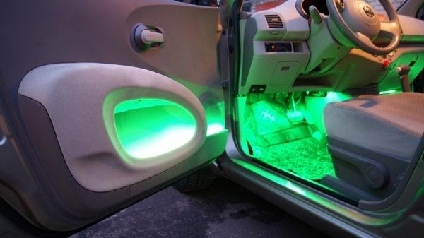 Как сделать подсветку ног в автомобиле своими руками? Правильный тюнинг