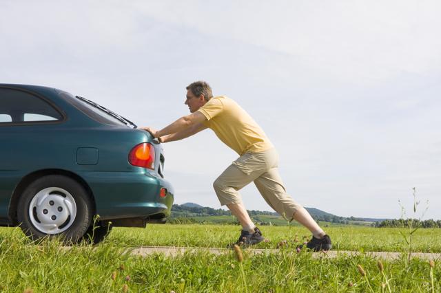 Почему машина тупит при разгоне? Список главных причин и способы их решения
