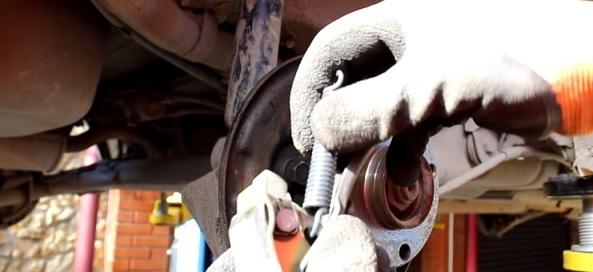 Замена задних тормозных колодок на ваз 2110 и 2112. Тормозная безопасность