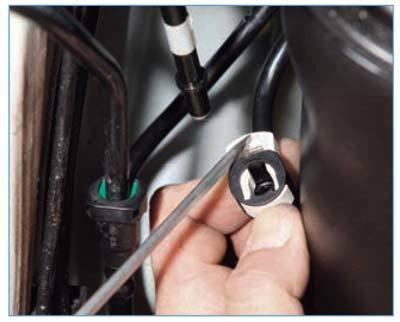 Замена топливного фильтра на ford focus 2 и 3. Американские проблемы