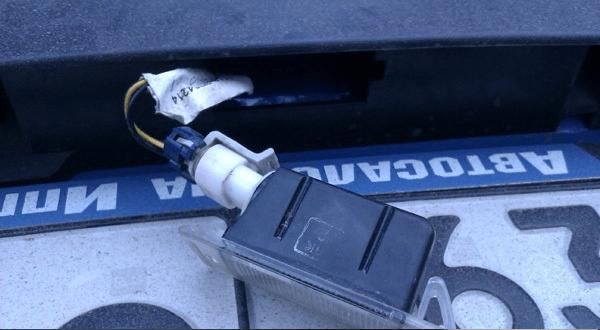 Самостоятельная замена лампочки подсветки номера на калине