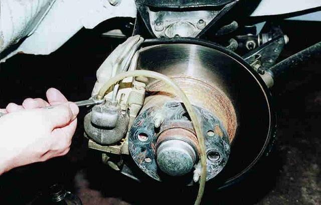 Прокачка тормозов ваз 2112. Как это сделать правильно