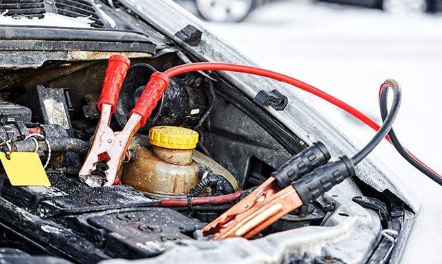 Что делать, если замерз электролит в аккумуляторе машины? Список действий