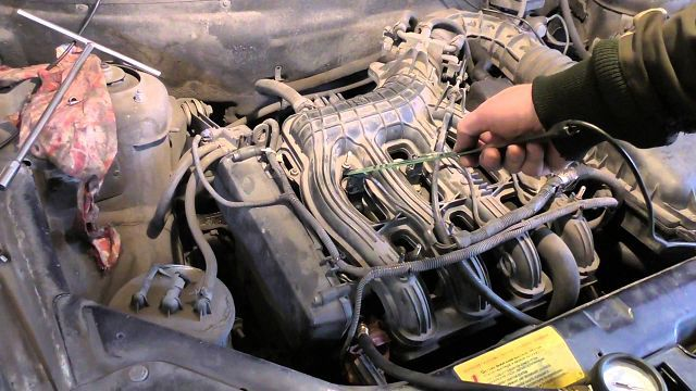 Почему происходит вибрация двигателя на холостых оборотах? Поговорим о популярных причинах