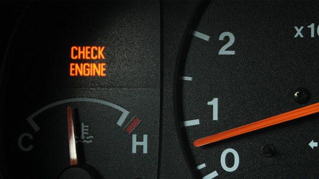 На сколько хватит бензина, если загорелась лампочка? Ненадолго.