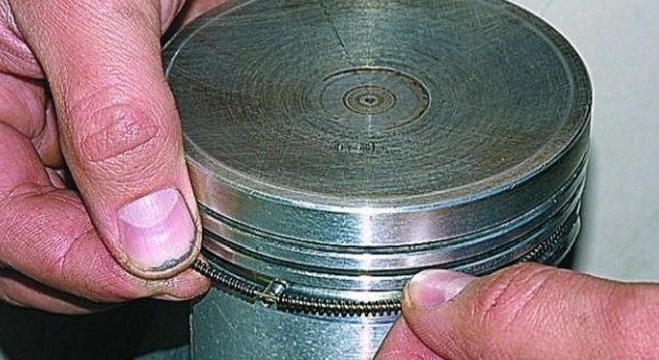Какой должен быть зазор на поршневых кольцах? Детальный разбор
