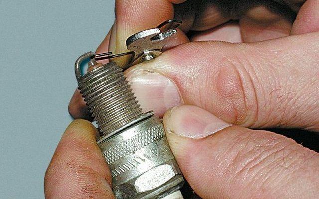 Как определить и проверить, что стоит, маслосъемные колпачки или кольца? Советы начинающим механикам