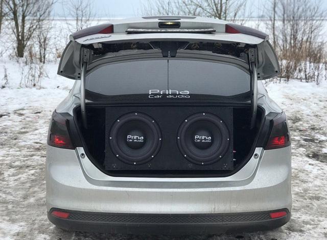 Как выбрать сабвуфер в машину? Создаем правильный звук в салоне авто