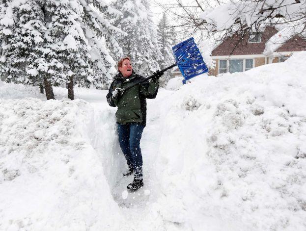 Какую выбрать автомобильную лопату для снега? Зима близко