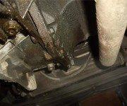 Почему течет масло из коробки передач? Частые причины и методики устранения