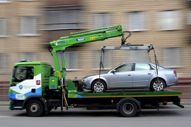Что делать, если машину увезли на эвакуаторе? Полный инструктаж