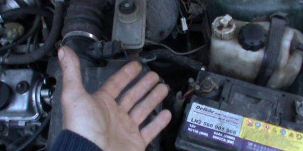 Почему машина плохо заводится на холодную? Список причин